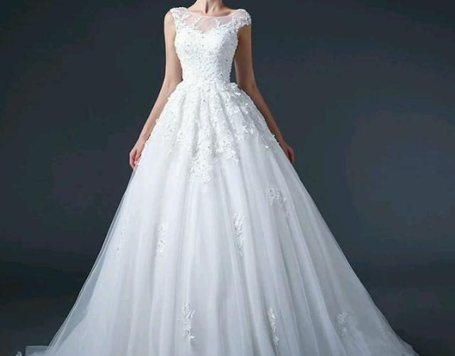 婚紗怎麼穿才能成為焦點?超全的穿搭指南,變身最美新娘