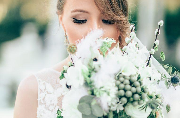 【婚紗禮服攻略】新娘、伴娘、出席賓客都啱睇!身型VS剪裁 |全城大熱這樣穿即瘦5kg婚紗!