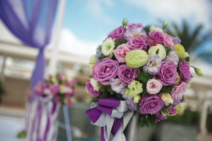 金球獎最佳示範!新娘晚裝如何穿得大方優雅?